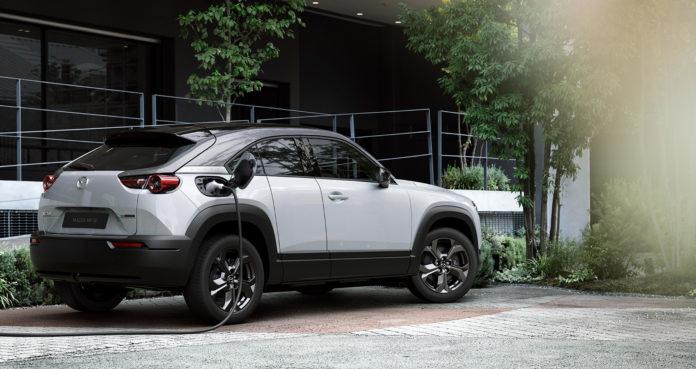 Her er Mazdas første elbil, MX-30. (Alle foto: Mazda)
