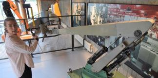 Lakkeringsroboten er en norsk oppfinnelse. (Begge foto: ABB)