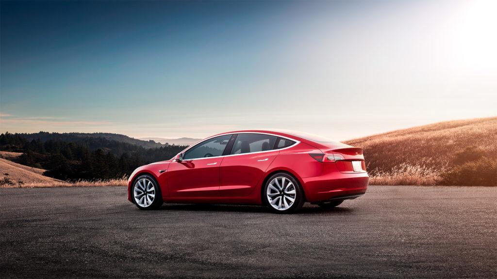 Tesla Model 3 er bilen som drar det elektriske salget i Europa. (Foto: Tesla)