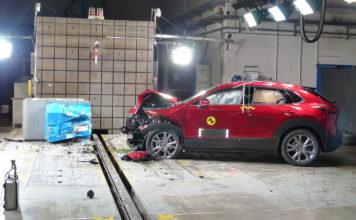Mazda CX-30 er en meget solid bil. (Begge foto: Euro NCAP)