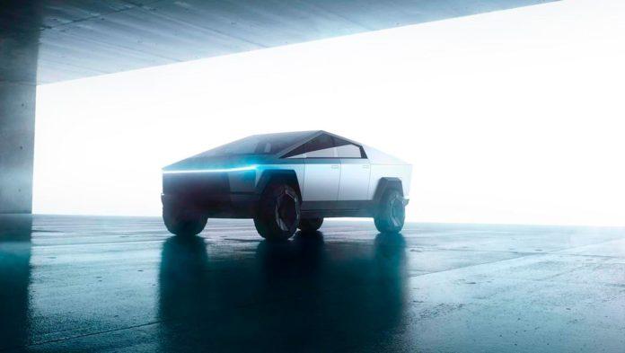 Over 200.000 skal ifølge Tesla-sjef Elon Musk har reservert en Tesla Cybertruck. (Begge foto: Tesla)