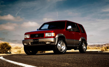 Acura har gjort noe skikkelig kult, nemlig bygd seg en «ny» 1997-modell. (Alle foto: Acura)