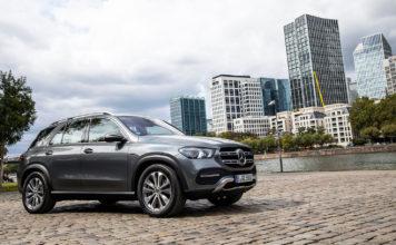 Mercedes kommer nå med en ladbar hybrid av den nye GLE, og den tetter gapet mellom PHEV og elbiler ganske betraktelig. (Alle foto: Mercedes)