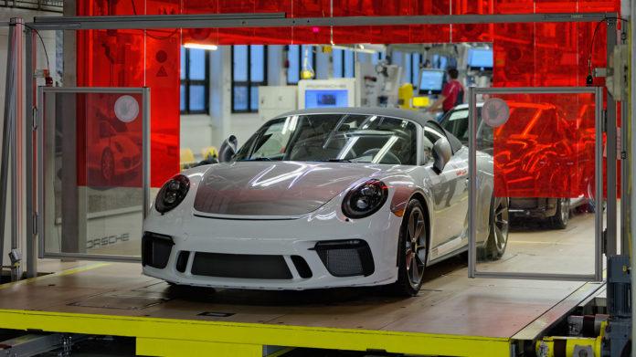 Her er den aller siste bilen i 991-klassen til Porsche 911. (Alle foto: Porsche)