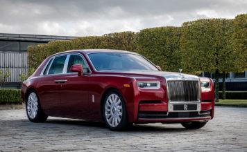 Det er ikke hver dag at Rolls-Royce kommer med en rød bil, men når de en gang gjør det gjør de jobben skikkelig. (Alle foto: Rolls-Royce)