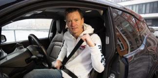 Det tykke ytterjakka skal av når du sitter i en bil. (Foto: NAF)