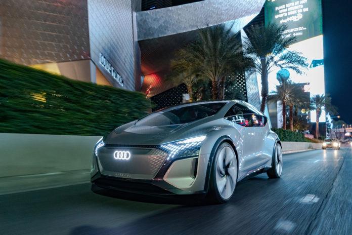 Audi viser fram en oppdatert AI:Me under CES-messen i Las Vegas. (Alle foto: Audi)