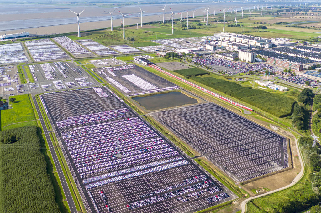 Her er Volkswagen-fabrikken i Emden.