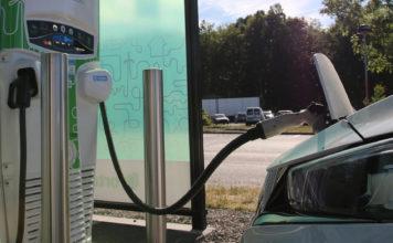 Hva koster det egentlig å lade opp elbilen? (Foto: NAF)