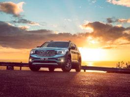 Holden rygger snart inn i solnedgangen. (Alle foto: Holden)
