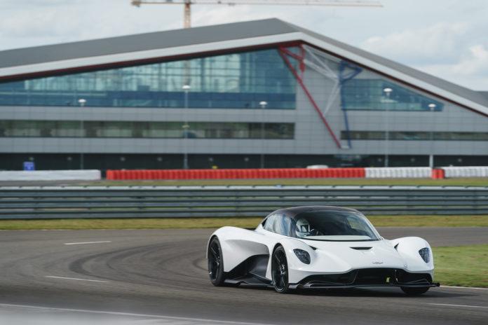 Aston Martin har på gang sin andre modell som får et norrønt navn, og Valhalla blir utstyrt med en splitter ny V6-motor. (Fotos: Aston Martin)