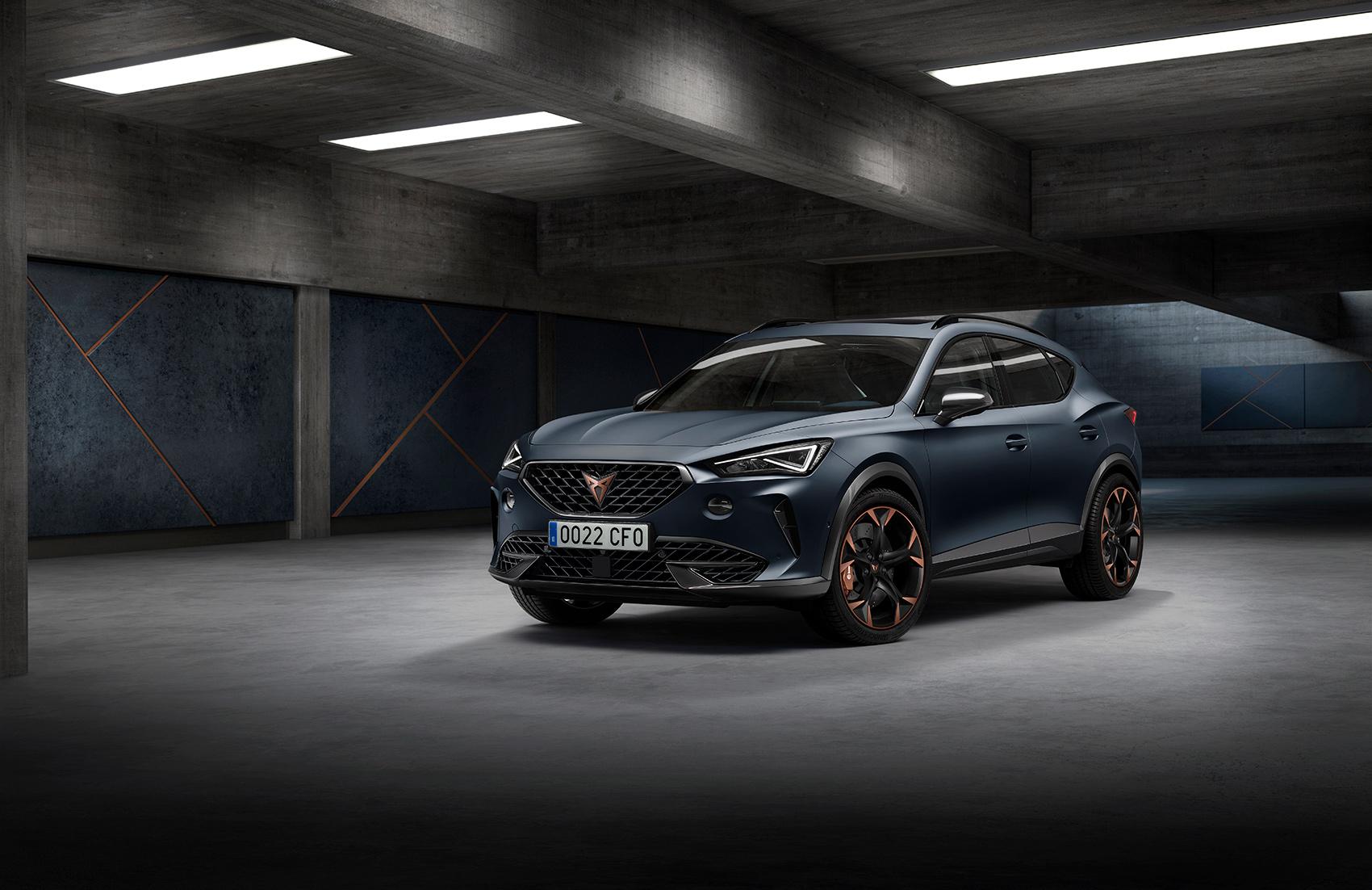 Cupra har avduket sin første egne bilmodell, og denne er kalt Formentor. (Alle foto: Cupra)