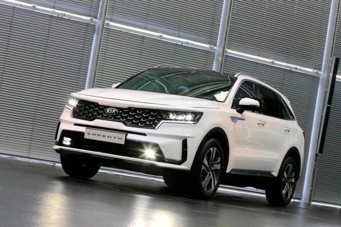 Kia har lansert 4. generasjon av Sorento, SUV-modellen som kommer med tre seterader. (Alle foto: Kia)