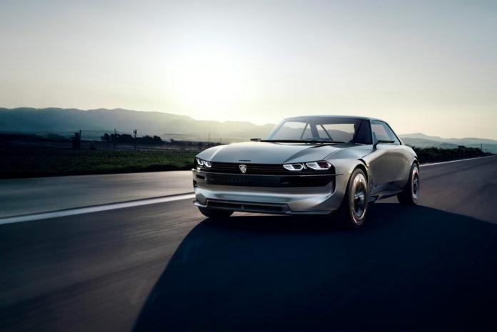 Denne elbilen er noe helt for seg selv, og kan til og med intervju folk. (Fotos: Peugeot)