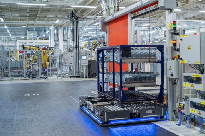 Verdens største bilprodusent, Volkswagen-gruppen, stanser nå produksjonen i Europa. (Fotos: VW)
