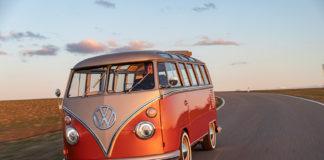 Dette er en Volkswagen Type 2, denne herlige varebilen fra 1960-tallet. Og den er helelektrisk. (Alle foto: VW)