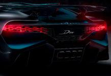En Bugatti Divo ser imponerende bakfra, og ikke minst nær man vet at dekslet til eksosstussene har 3D-printet titandeler. (Fotos: Bugatti)