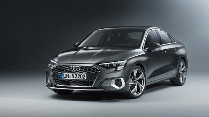 Audi viser nå en ny A3 Sedan, som vil følge den nye generasjonen A3 Sportback. (Fotos: Audi)