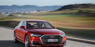 Audi A8 skulle bli den første serieproduserte bilen på nivå 3 på den selvkjørende skalaen, men det skjer ikke. (Fotos: Audi)