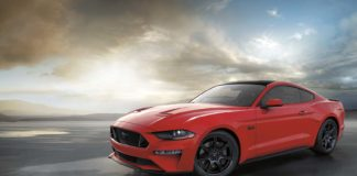 Ford Mustang rundet akkurat 56 år, og den er like moderne som den alltid har vært. (Fotos: Ford)