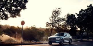 Volvo kommer nå med et rimeligere alternativ til den ladbare versjonen av XC60 T8, og prisen faller med mange tusen. (Fotos: Volvo)