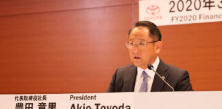 Toyota-sjef Akio Toyoda tror på tøffe måneder framover. (Fotos: Toyota)