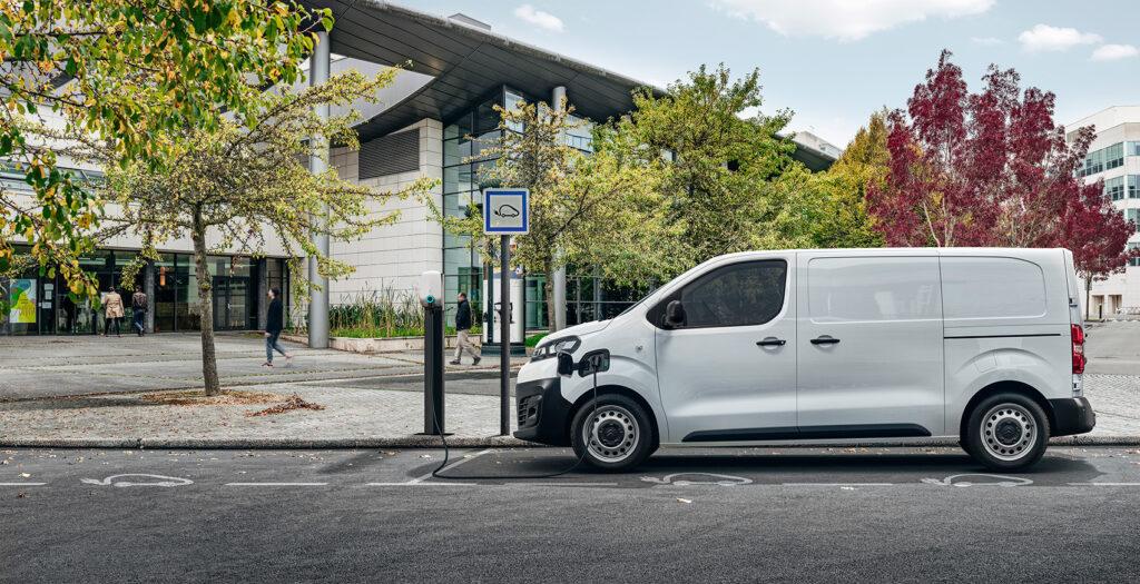 Citroën ë-Jumpy er en moderne elektrisk varebil med ny teknologi og førerassistenter. (Foto: Citroën)