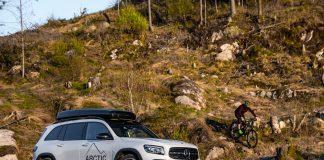 Mercedes GLB er en praktisk SUV med firehjulstrekk. (Foto: SB Automotive/Nybiltester)