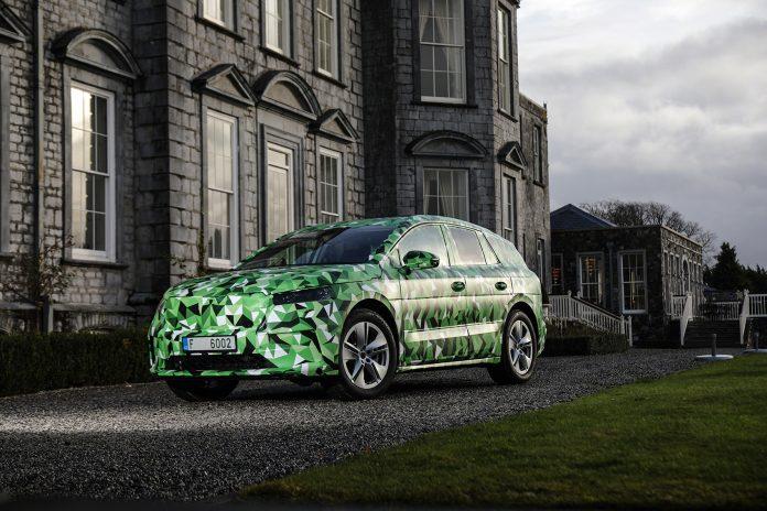 Her er produksjonsversjonen av Skodas elektriske familiebil, Enyaq iV. (Fotos: Skoda)