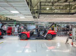 Tesla får ikke starte opp produksjonen, og går nå rettens vei for å få starte opp Fremont-fabrikken etter utbruddet av korona-smitten. (Fotos: Tesla)