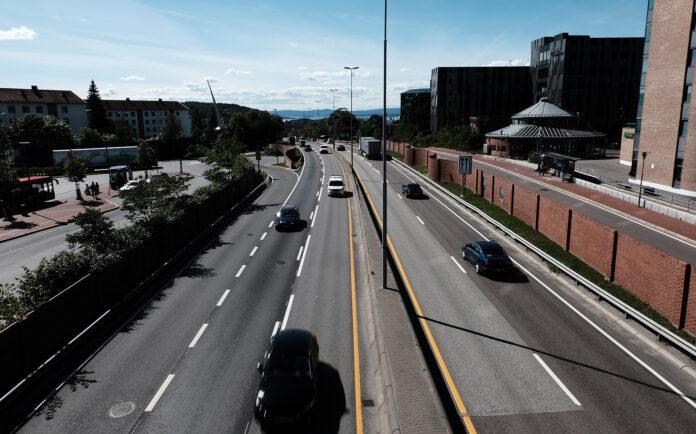 Nå blir den norske bilparken eldre. (Foto: Bil24)