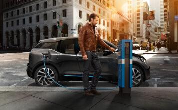 BMW jakter også på grønne bilbatterier, og har inngått et samarbeid med Northvolt for å komme nærmere dette målet. (Fotos: BMW)