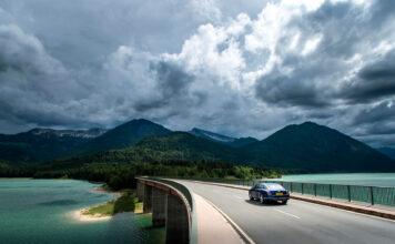 Bentley skal nå utnytte regnvannet i produksjonen. (Fotos: Bentley)