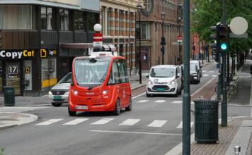 Det har allerede vært testet ut selvkjørende busser i Oslo, og nå inntar disse også sentrum av hovedstaden. (Fotos: Ruter/Statens vegvesen)