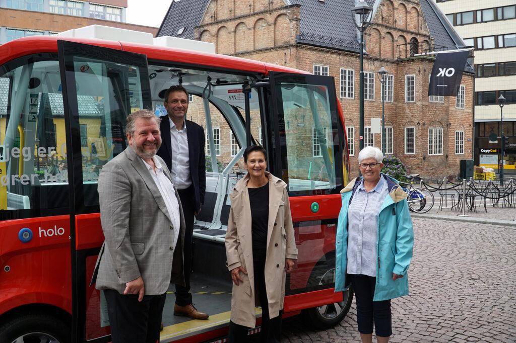 Bernt Reitan Jenssen (Ruter), Arild Hermstad (byråd for miljø og samferdsel), Gerd Robsahm Kjørven (Bymiljøetaten i Oslo kommune), Ing-Cristine Ericson.