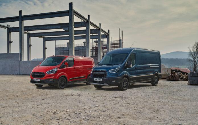 Ford kommer nå med to litt røffere Transit-versjoner. (Fotos: Ford)