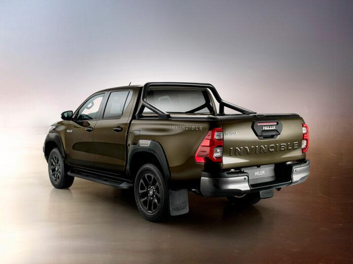 Toyota har oppgradert Hilux, og det inkluderer designmessige forandringer og en ny motor. (Fotos: Toyota)