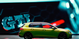 Volkswagen satser enormt på den nye Golfen, og har over 450 forskjellige nettannonser. Men de bommet grovt med en. (Fotos: Volkswagen)