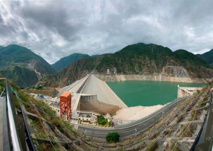Volvos største fabrikk i Kina får mye av strømmen fra vannkraft, men også andre fornybare kilder. (Fotos: Volvo)