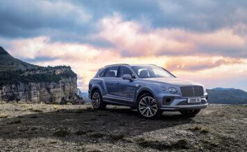 Bentley oppgraderer nå den ultraluksuriøse SUV-modellen Bentayga. (Fotos: Bentley)