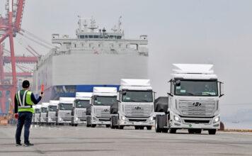 Hyundai har klar de første tunge lastebilene som er drevet av hydrogen. (Fotos: Hyundai)