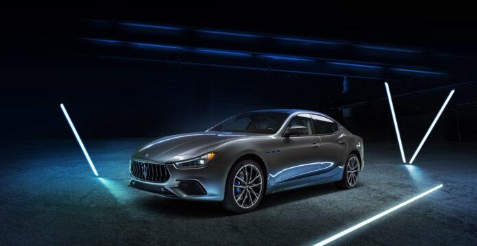 Maserati har nå klar sin aller første elektrifiserte bil, Ghibli Hybrid. (Fotos: Maserati)