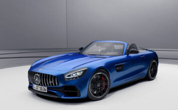 Mercedes-AMG rydder nå litt i GT-familien, og kommer med en ny basismodell som også erstatter GT S-versjonene. (Fotos: Daimler)
