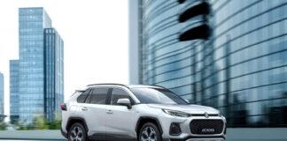 Suzuki har fått sin første elektrifiserte modell av Toyota, den ladbare hybriden Across basert på Rav4 PHEV. (Fotos: Suzuki)