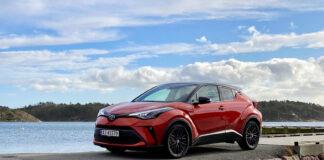 Toyota har kommet med en litt oppgradert versjon av C-HR. (Fotos: Hans Vidar Levinsen, Nybiltester)