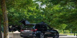 Foto23 Det er lett å like BMW 330e xDrive M Sport, en sportslig familievogn. (Foto: Nybiltester/SB Automotive)