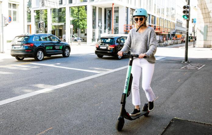 Om alle hadde fulgt reglene og oppført seg, ville de elektriske sparkesyklene ikke fått et så dårlig rykte som de nå er i ferd med å få. (Foto: NAF)