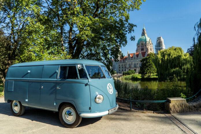 Dette er verdens eldste Volkswagen Transporter som fortsatt er gatelovlig, Sofie. (Fotos: Volkswagen)