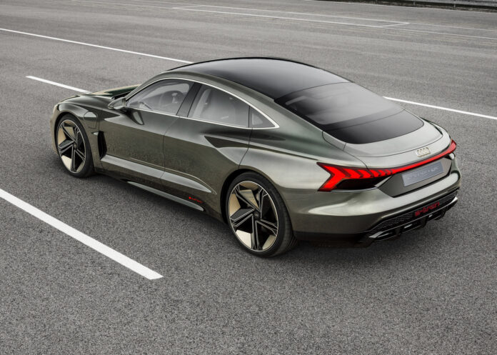 Audi Norge åpner nå for en reservasjonsliste for den kommende elbilen e-tron GT. (Fotos: Audi)