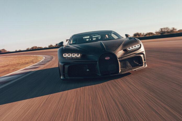 Bugatti har nå kommet så langt i utviklingen av Chiron Pur Sport at den offisielle testføreren har luftet den på bane. (Fotos: Bugatti)
